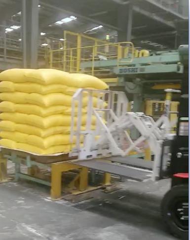 叉车推拉附件用于处理肥料