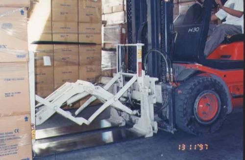 叉车推拉式附件用于家电行业